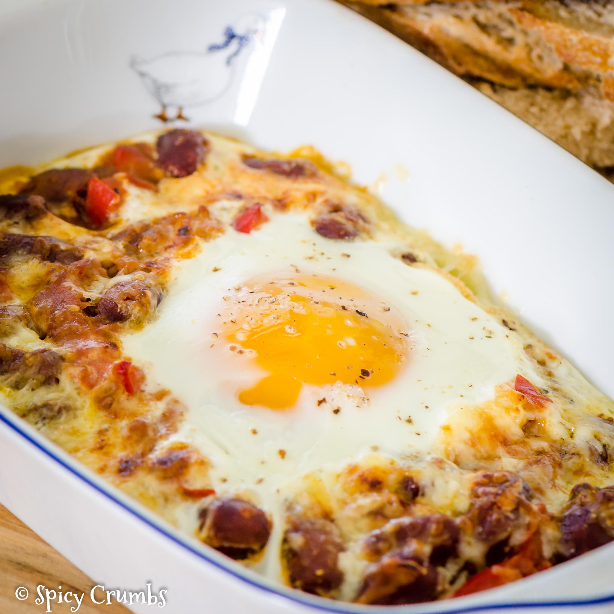 zapečené vejce s fazolemi