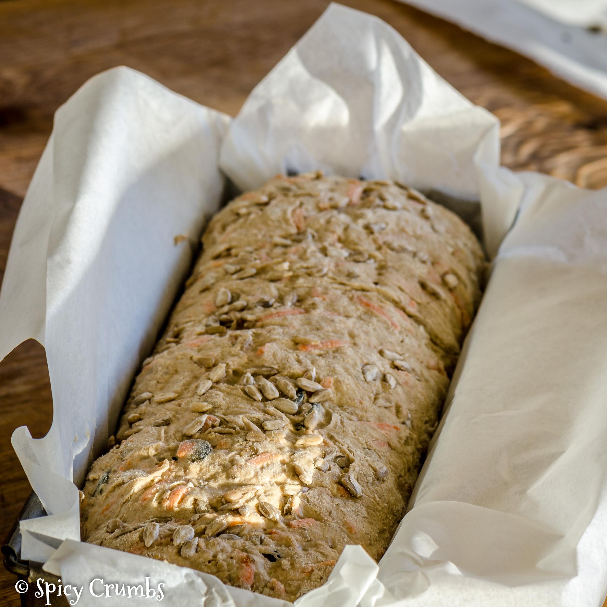 Celozrnný chléb se semínky a mrkví